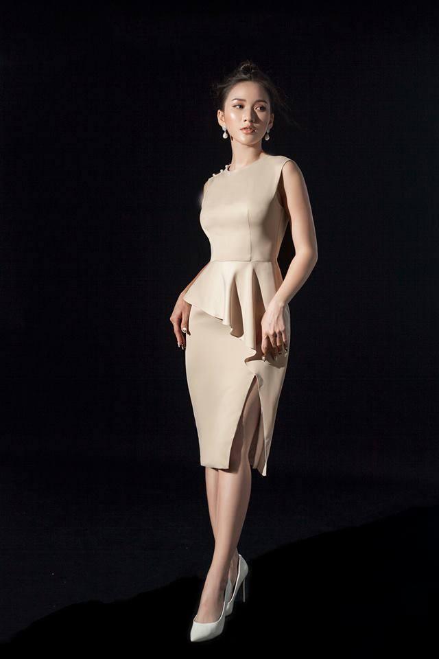 Đầm Body Dự Tiệc Xẻ Đùi Đính Ngọc Trai - be