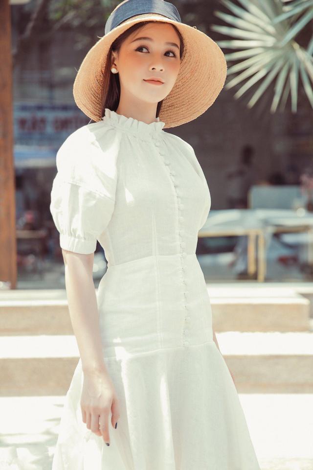 Đầm Xòe Đuôi Cá Nút Bọc Xinh Như Hòa Minzy