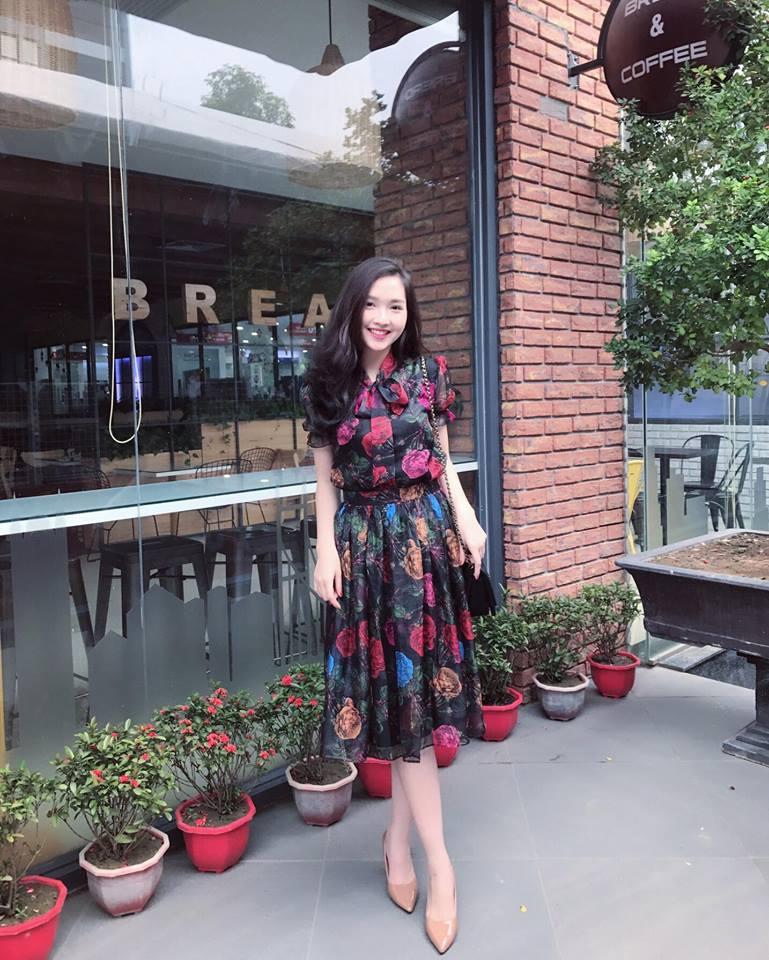 Set Áo Sơ Mi Thắt Nơ Váy Xòe Hoa