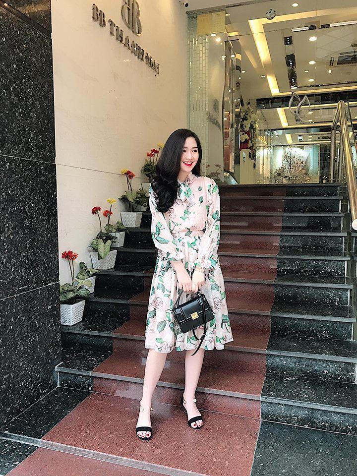 Set Áo Sơ Mi Và Chân Váy Hoa Hồng