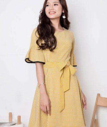 Đầm Xòe Caro Tay Lỡ Kèm Dây – Vàng