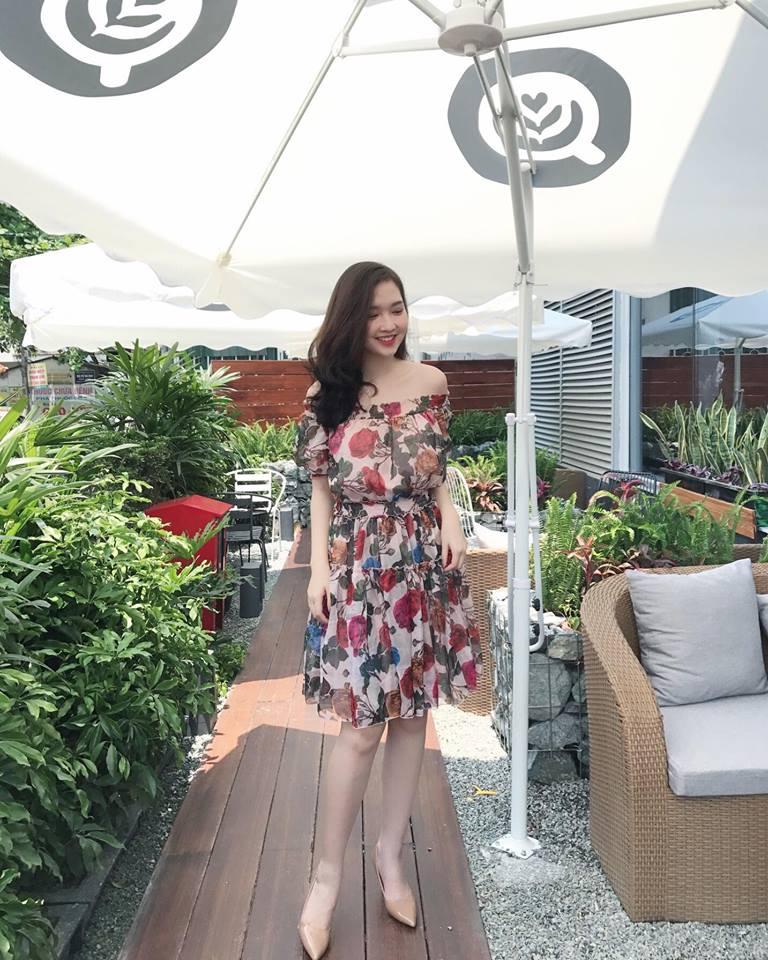 Đầm Hoa Xòe Trễ Vai