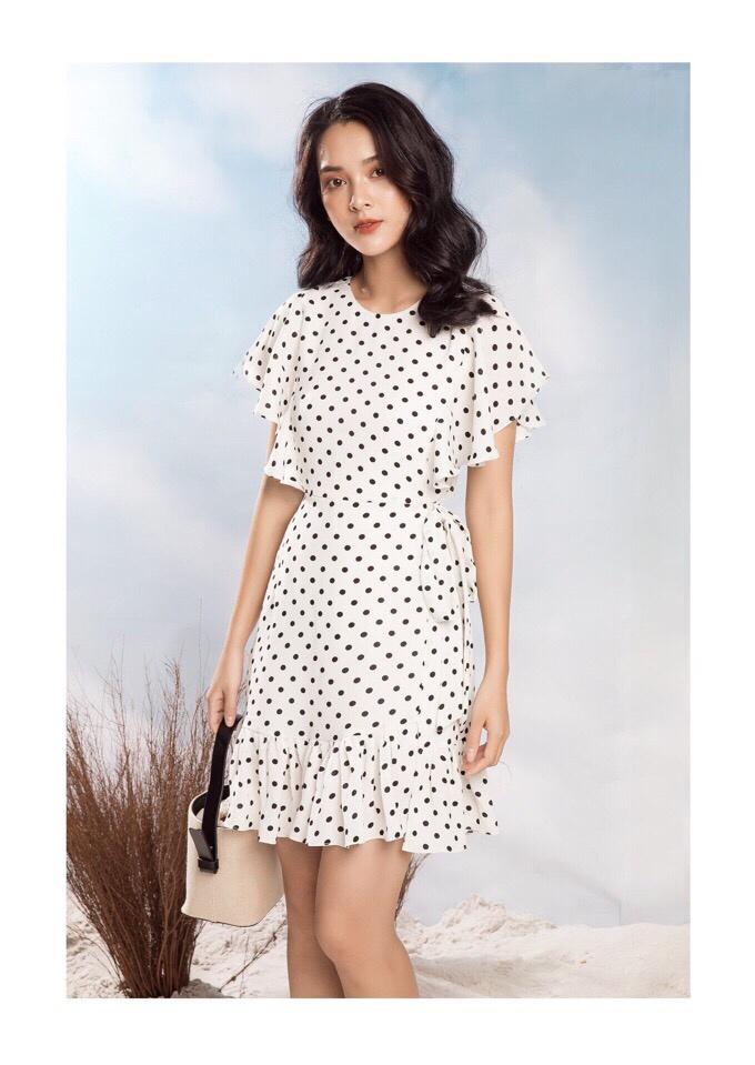 Đầm Xòe Chấm Bi Đuôi Cá Trắng