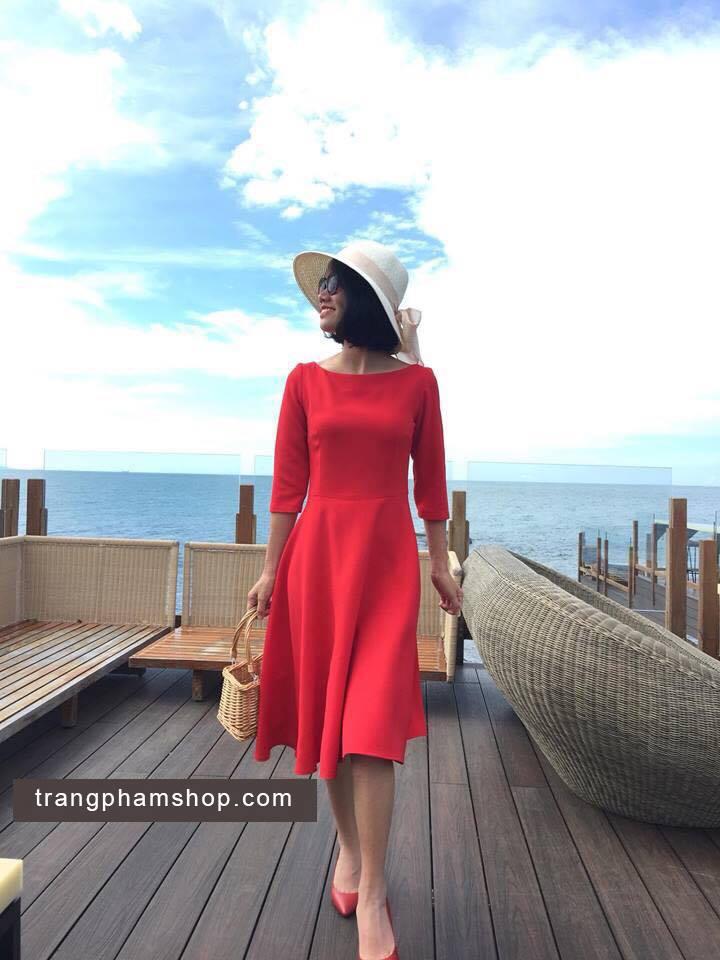 Đầm xòe cổ thuyền tay lỡ đỏ