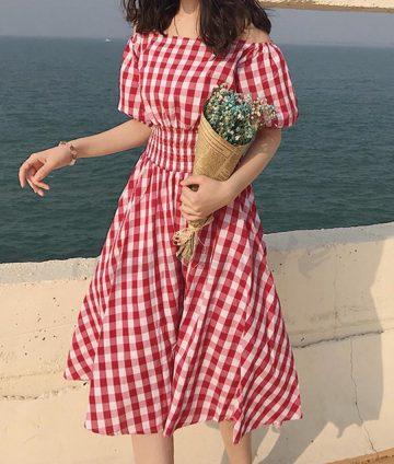 Đầm Caro Vintage Trễ Vai Eo Thun Có Túi – Đỏ