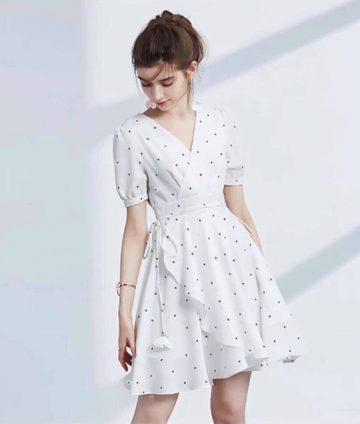 Đầm Xòe Cổ Đắp Chấm Bi Kèm Dây